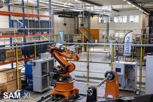 Eastman Machine,SAM | XL推进与自动切割的拣选和放置集成