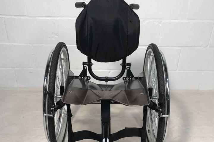 轮椅上的天然纤维复合座椅
