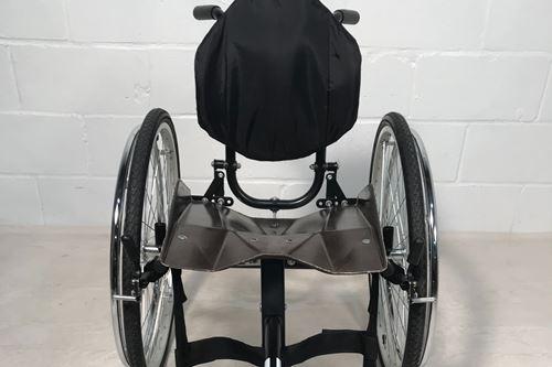 天然纤维复合轮椅座椅设计的目标是可持续的机动性