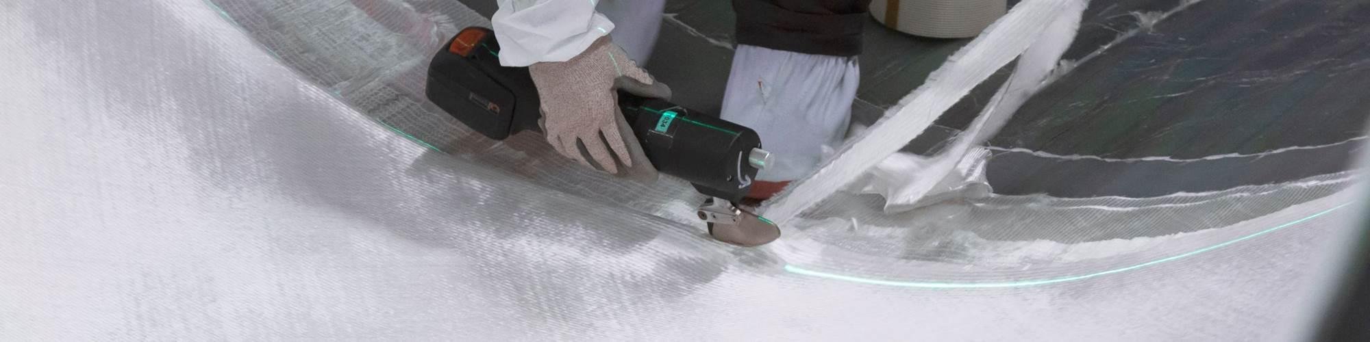 Z激光激光投影到玻璃纤维复合风叶片上篮