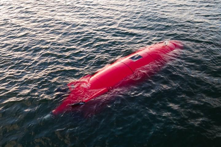 复合自主水下车辆