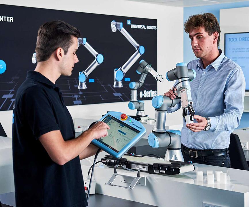 Incremente la productividad y calidad de sus procesos automatizando con robots colaborativos. Foto: Universal Robots.