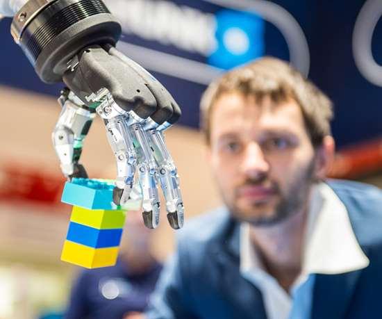 En la era pospandemia, la International Federation of Robotics resalta que los países deben adoptar la automatización y desarrollar las habilidades necesarias para hacerlo.