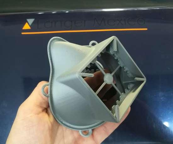 Este fue el primer prototipo de la mascarilla impreso en 3D.
