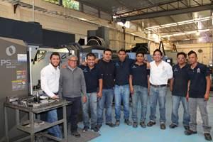 El taller del Grupo Simaq cuenta con 10 máquinas: 8 centros de mecanizado y 2 tornos. El centro de mecanizado PS95 de Makino fue su última adquisición y el equipo que les cambió la manera de producir los porta-insertos en el taller. Este año tienen planeado adquirir dos máquinas más para hacer más eficiente el proceso de manufactura de los herramentales.