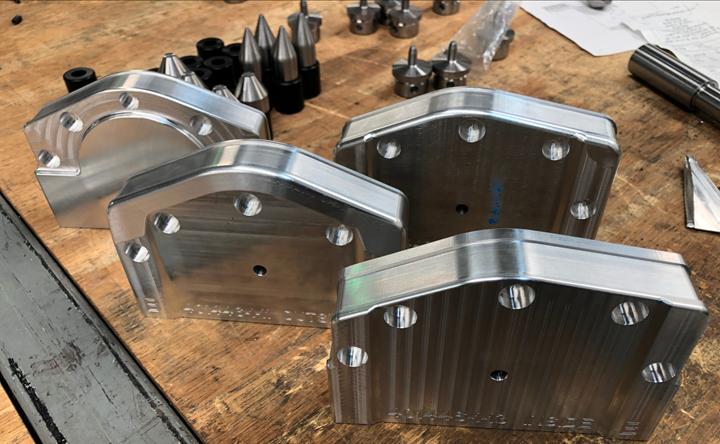 Piezas personalizadas para la industria aeroespacial (molde formador para láminas de aluminio), material CDA 954.