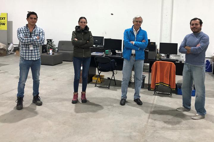Mario Núñez, Sr. Project Manager de Tekkzu; Karime Aceves, directora financiera; Enrique López, accionista, y Samir Aceves, director operativo de Tekkzu.