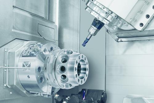 Tres avances tecnológicos clave impulsaron el desarrollo acelerado del concepto multitarea: los motores integrales, los controladores/computadoras con mayor potencia de procesamiento, y el software CAD/CAM.