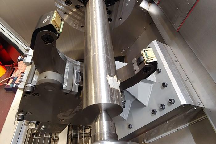 Tornear este tubo de titanio proporcionó una línea de base consistente para la comparación de insertos.