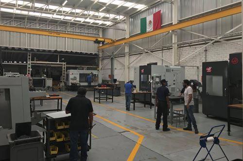 Actualmente, con el hyperMILLMolrio revisael diseño, hacecorrecciones y realizalas rutinas de mecanizado antes de reparar cualquier molde de sus clientes.