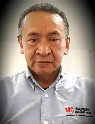 Pablo Santiago, ingeniero de aplicaciones de EDM en MC Machinery Systems de México.
