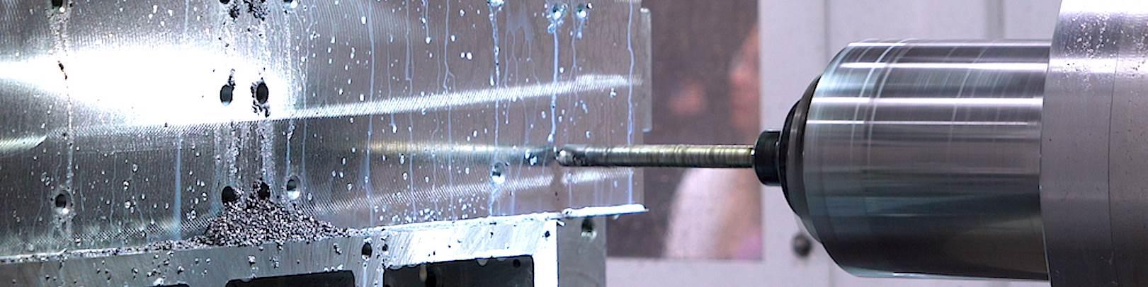 Desde que se modernizó con el nuevo control FANUC, la máquina de mandrinado tiene capacidades expandidas, puede mantener tolerancias más estrechas y es capaz de ajustarse a velocidades de desplazamiento más rápidas.