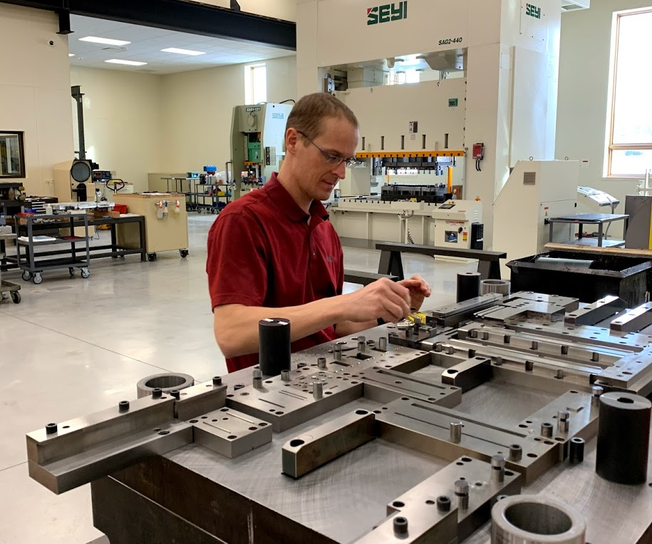 Die Makers Adapt to Challenges All Machine Shops Face