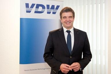 A photo of Dr. Heinz-Jürgen Prokop, chairman of the VDW