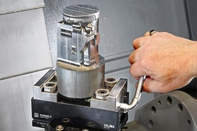 A photo of Roemheld's PC 80Z self-centering clamping vise