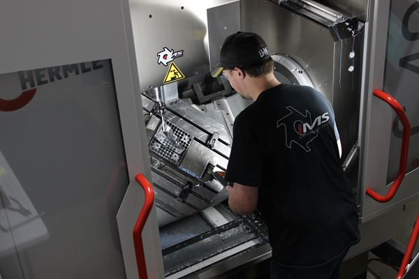 New Five-Axis Milling Machine Helps Michigan Mold Builder Diversify  image