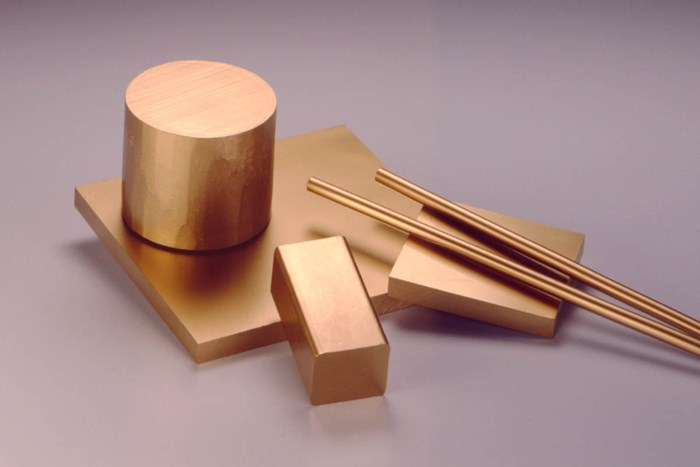 High-Performance Alloys for Plastic Injection and Blow Molding