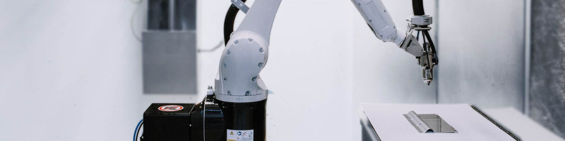 Compact Painting Robot Enables Innovative Paint Systems