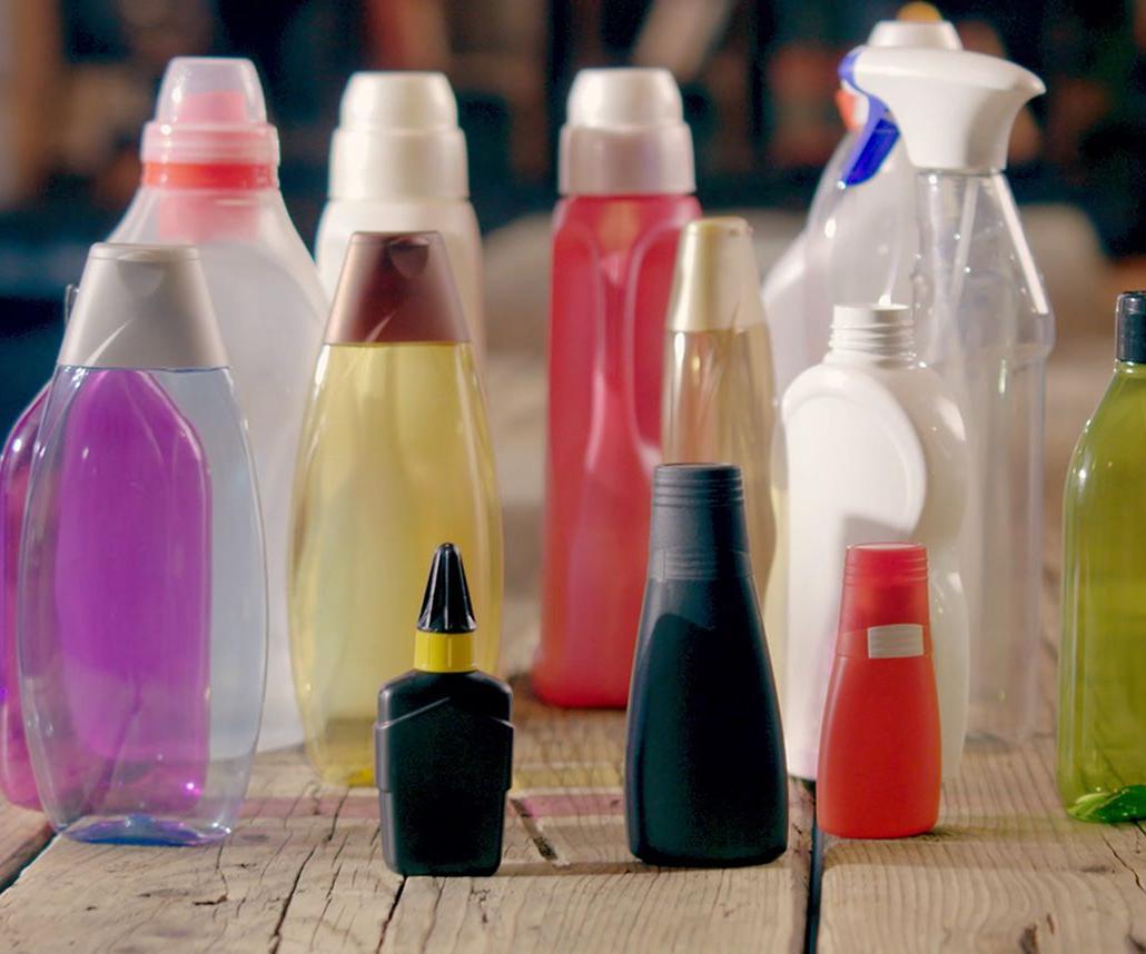 Henkelafirma ser la primera compañía en concluir un bono de reducción de residuos plásticos. Foto: Henkel.
