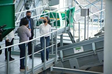 La Jefa de Gobiernode la Ciudad de México, Claudia Sheinbaum, realizó una visita de supervisión de obrade la Estación de Transferencia y Planta de Selección en Azcapotzalco.
