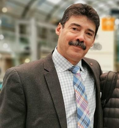 Luis Álvarez Cuevas, director de operaciones de Asia Pack Teck, compañía que representa en México a la coreana Woojin.