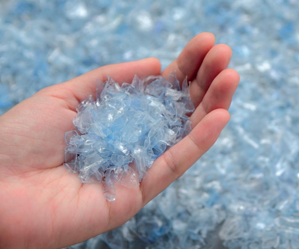 En plásticos reciclados, los aditivos tienen gran importancia durante el procesamiento de los materiales y también para las características de los productos fabricados con ellos.