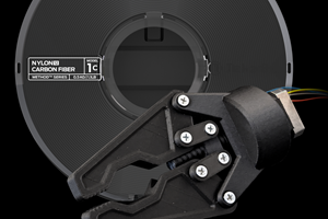 Nylon 12 Carbon Fiber, de MakerBot.