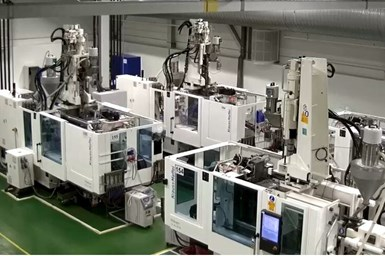 Intersurgicalha invertido en varias máquinas de moldeo por inyección desde los inicios de la pandemia.