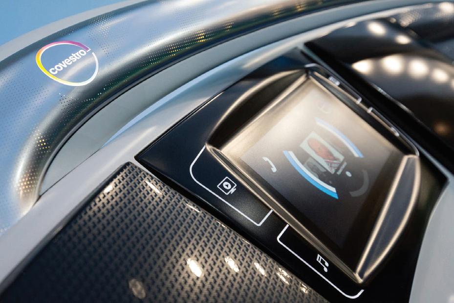 """El policarbonato ha sido históricamente utilizado en aplicaciones innovadoras en los ámbitos de E/E y automotriz. En el horizonte del material hay aplicaciones en la nueva """"e-movilidad"""". Foto:Covestro."""