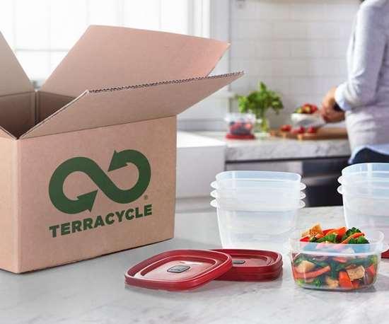 Rubbermaid y TerraCycle se asocianen programa de reciclaje de contenedores de plástico y vidrio. Foto: Rubbermaid.