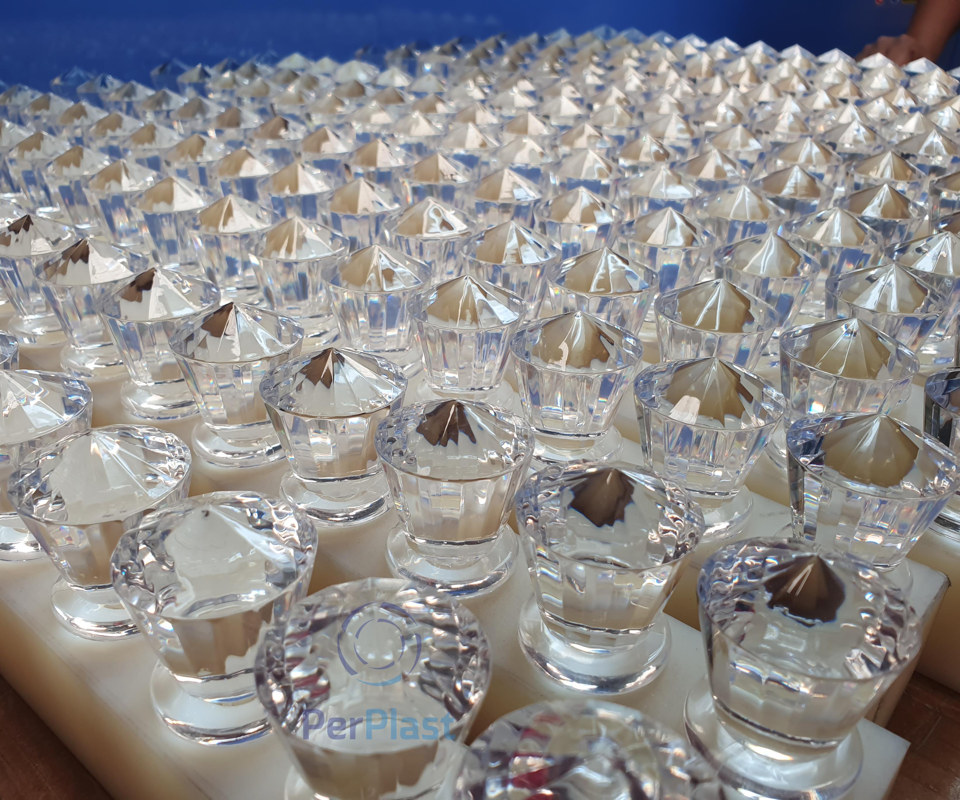 Muestras de tapas para botella de tequila. Foto cortesía de Grupo Perplast.