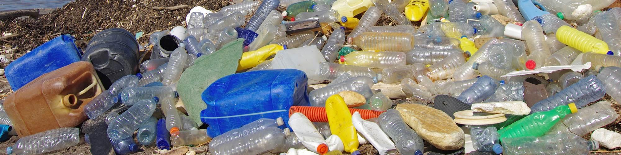 La gestión adecuada de todos los residuos, no solo los plásticos, permitirá que las personas de todo el mundo sigan disfrutando de los beneficios de este material, comentóTony Radoszewski, presidente y director ejecutivo de PLASTICS.
