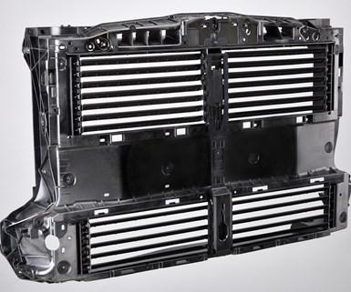 El refuerzocon la poliamida de fácil flujo, diseñada por Lanxess y Ford,alberga una unidad de control activo que consta de cuatro persianas de rejilla activas que aseguran un suministro de aire.