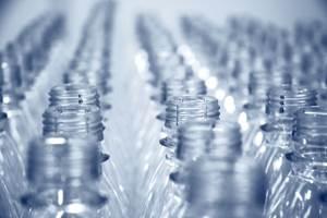 El confinamiento por la pandemia redujo hasta 40 por ciento las ventas de agua embotellada de marcas como Bonafont de Danone, Ciel de Coca-Cola y e-Pura de PepsiCo., aunque se incrementó la demanda de garrafones y de sistemas de purificación en México.