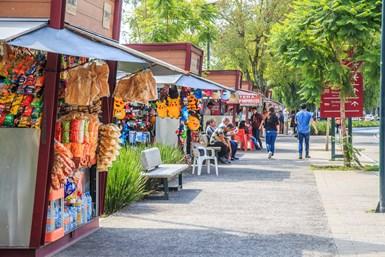 """El """"Programa de Educación en Manejo de Residuos"""" busca implementar acciones que fomenten el cumplimiento de la Ley de Residuos Sólidos de la Ciudad de México, con prácticas de reciclaje y economía circular."""