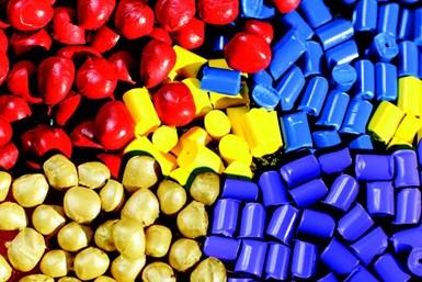 Las piezas de PEAD coloreadas con masterbatches se agrietan debido al aumento gradual de la cristalinidad después del moldeo.