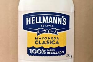 Envase de Hellmann's fabricado con plástico 100% reciclado.