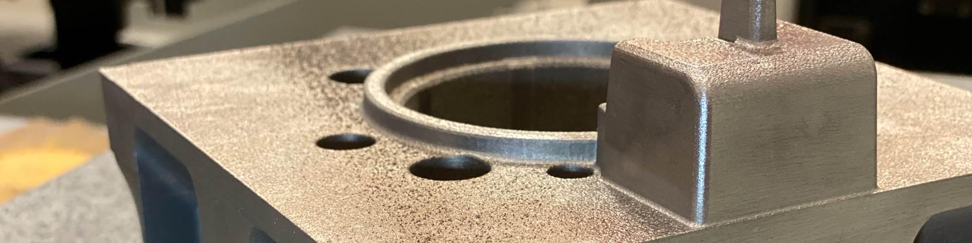Inserto de molde aditivo diseñado con relieve para minimizar el mecanizado de acabado y el ensamblaje del molde. Crédito: Next Chapter Manufacturing –MoldMaking Technology.