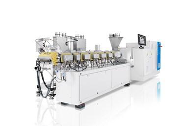 La serie de extrusoras de doble tornillo ZE BluePower de KraussMaffei garantiza condiciones de producción altamente eficientes.