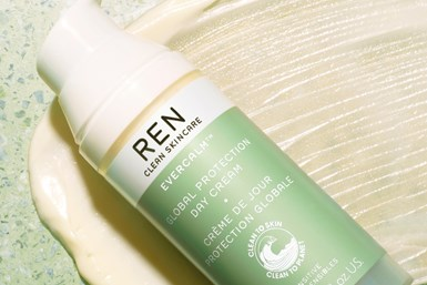 REN Clean Skincare relanzó su producto EVERCALM Global Protection Day Cream como el primer producto de belleza cuyo envase es fabricado con los polímeros circulares certificados de SABIC.