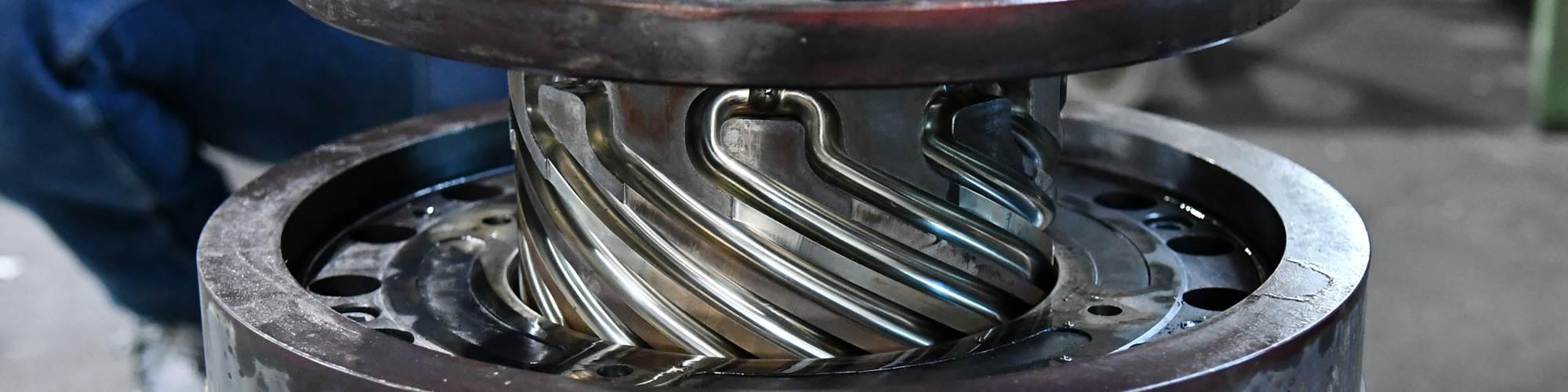 El servicio de limpieza flexible de pirólisis al vacío de Schwing reduce los costes de mantenimiento, el tiempo de inactividad de la planta y la pérdida de producción.