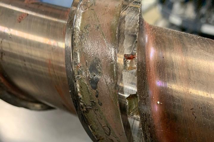 Screw delamination in plastics processing