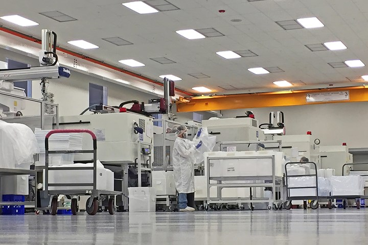 Medbio cleanroom for medical injection molding. Bedbio's latest acquisition has Class 7 & 8 cleanrooms.