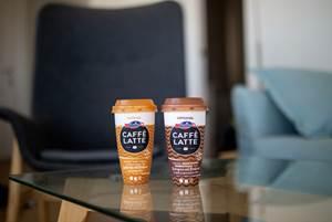 第一个化学回收聚丙烯冰咖啡杯