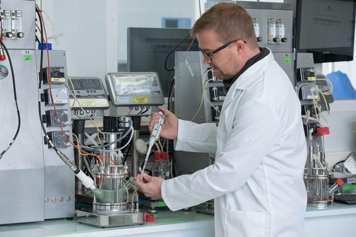 PET depolymerization reactor