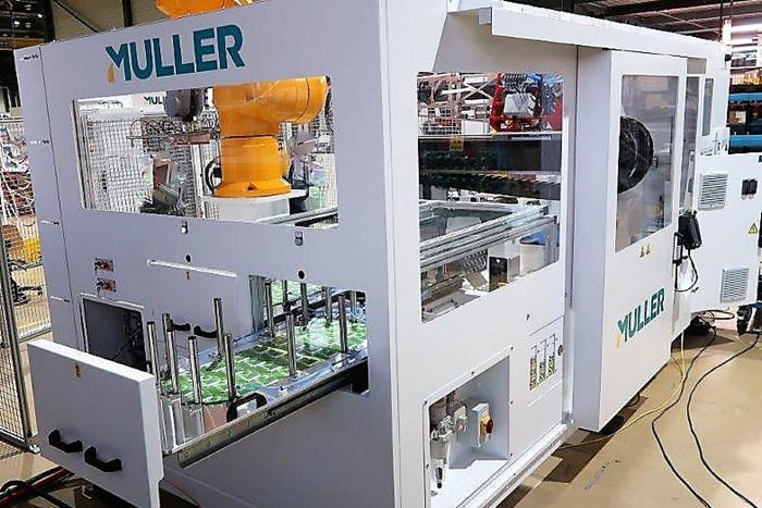 In-Mold Labeling Automation System for 5-Gal Pails