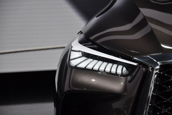 New PC Helps Molder Cuts Costs for Automotive Lighting Bezels.   image