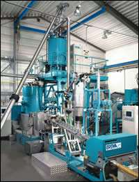 Crystallizing dryer and continuous solid-stating unit