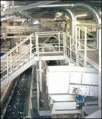 Fast-moving conveyors