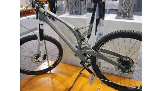 bike with titanium alloy frame